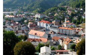 Pogled na Idrijo. Vir: http://www.muzej-idrija-cerkno.si
