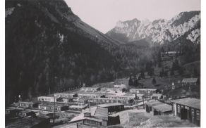 Pogled na taborišče Ljubelj med vojno leta 1944