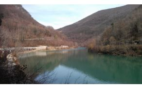 Čudovita barva naše reke Soče in del poti. Foto: Valter Reščič