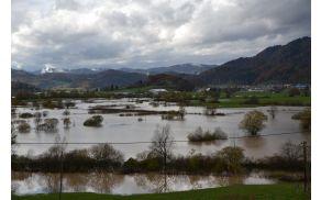 Pogled na poplavljeno območje horjulske doline.