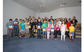 Otroci za prihodnost 2012 z mentorji in županoma Milanom Turkom in Matejem Arčonom.