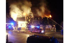 Požar je decembra 2014 dom uničil.