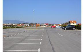 prazniparking.jpg