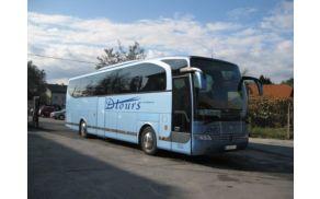 Večino prevozov Občina Dobrova - Polhov Gradec zagotavlja prek izbranih izvajalcev storitev šolskih prevozov (fotografija: Dtours.si).