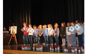 Letos so recital, podnaslovljen Poezija v nas, v spomin našemu mojstru besede pripravili učenci petih razredov. Foto: Nataša Hvala Ivančič