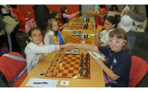 Šahistka Asja Čebron na prvenstvu v Novem Sadu. Foto: FB stran Asje Čebron