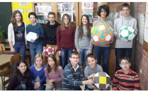 Udeleženci državnega tekmovanja iz razvedrilne matematike. (Štirje so na sliki odsotni)