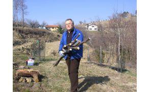Zoran Božič v svojem sadovnjaku Pod skalco, foto: Karla Božič