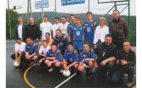 Skupinska slika pred začetkom tekme