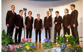 Vokalna skupina In spiritu je k sodelovanju povabila različne skupine.