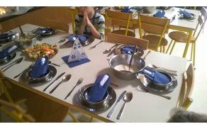 Slavnostno kosilo v jedilnici