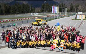 Skupinska slika udeleženk 5. Avtomobilskega SPA 2015