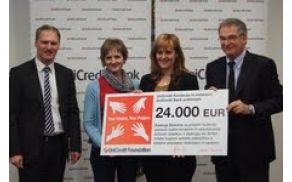 Predstavnicama Zadruge Dobrine sta nagrado podelila Maurizio Carrara in Stefan Vavti.