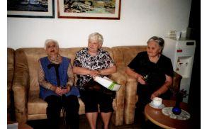 Članice Rdečega križa na obisku v Domu upokojencev v Novi Gorici. Foto:  Arhiv RK