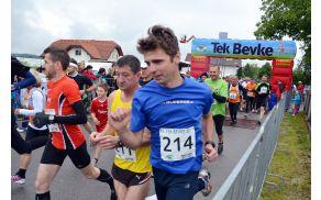 Teka so se udeležili 304 tekači, kar je sicer manj od prejšnjih let, a upoštevajoč slabo vreme, je še vedno visoka številka.