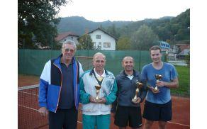 Z leve proti desni: Jurij Janež st., organizator in predsednik Teniškega kluba Horjul, ter najboljši trije –Boris Zuljan, Iztok Škof, Jurij Janež ml.