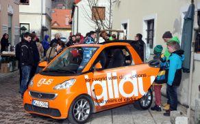 Ljubitelji avtomobilov so na Vransko prišli v velikem številu.