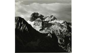 Triglav z Jezerskega stoga. Foto: Janko Ravnik