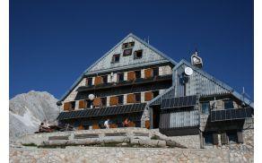Triglavski dom na Kredarici, foto: Manca Čujež