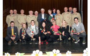 Dobitniki občinskih priznanj za leto 2013 z županom