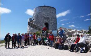 Kamniti razgledni stolp stoji na vrhu že od leta 1911