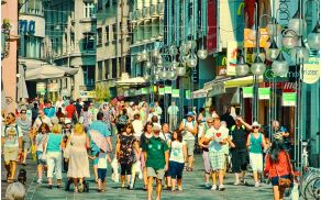 Čopova bo kmalu spet polna pešcev. Foto: Vid Gajšek, Wikipedia.