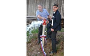 Curek vode iz novopostavljenega zunanjega hidranta je dober pokazatelj ustreznega zaključka del.