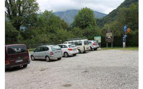 Parkirišče v Zaročišču. Foto: Nataša Hvala Ivančič