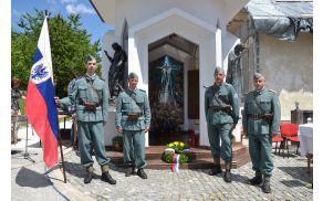 Domobranska straža pred Kapelo mučencev