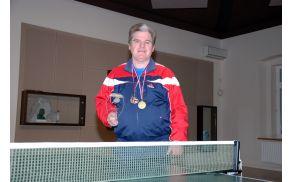 Zdenko Čargo z medaljama in pokalom. Foto: Simon Prinčič