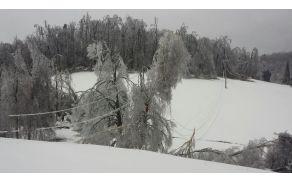 Žled je povzročal težave tudi v Kalu nad Kanalom, Cvetrežu in na Koradi. Foto: Elektro Primorska.