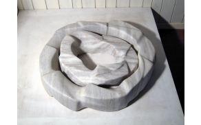 Zmago Posega - Brez naslova (Dva kroga), 1993, marmor, 14 x 45 x 42 cm; 12 x 67 x 62 cm