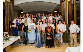 Vsi sodelujoči na Zgodbah iz Vipavske doline - foto Tomo Vrešak