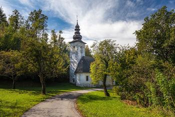 Sprehodi Muzejskega društva Bled: cerkev Sv. Lenarta