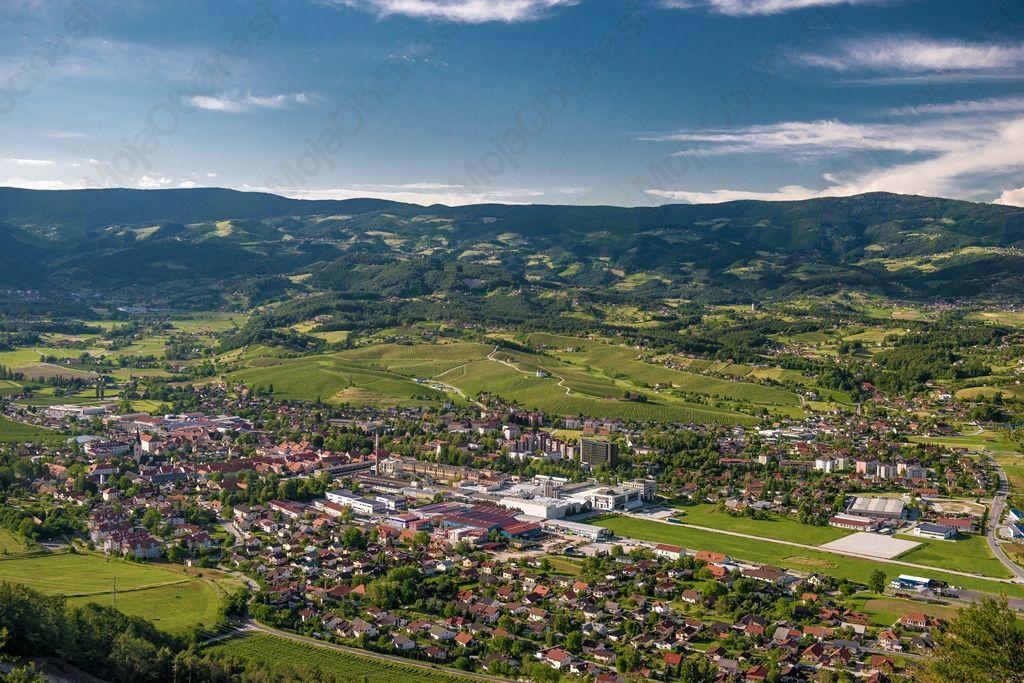 Pogled na Slovenske Konjice z okolico