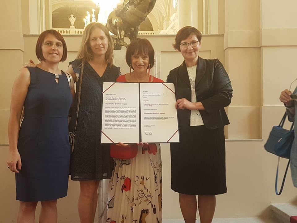 državna nagrada za izjemne dosežke na področju prostovoljstva