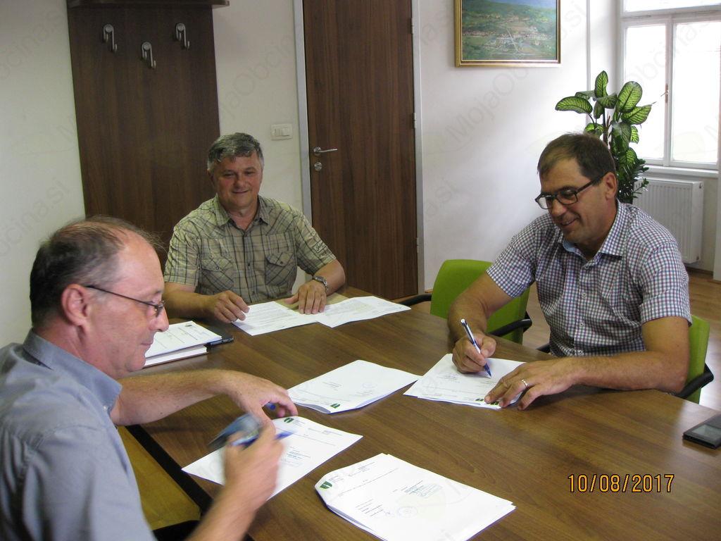 Začela se bo gradnja vodovoda na Leskovški planoti