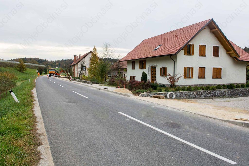 V Zgornji Dragi poteka izgradnja pločnika