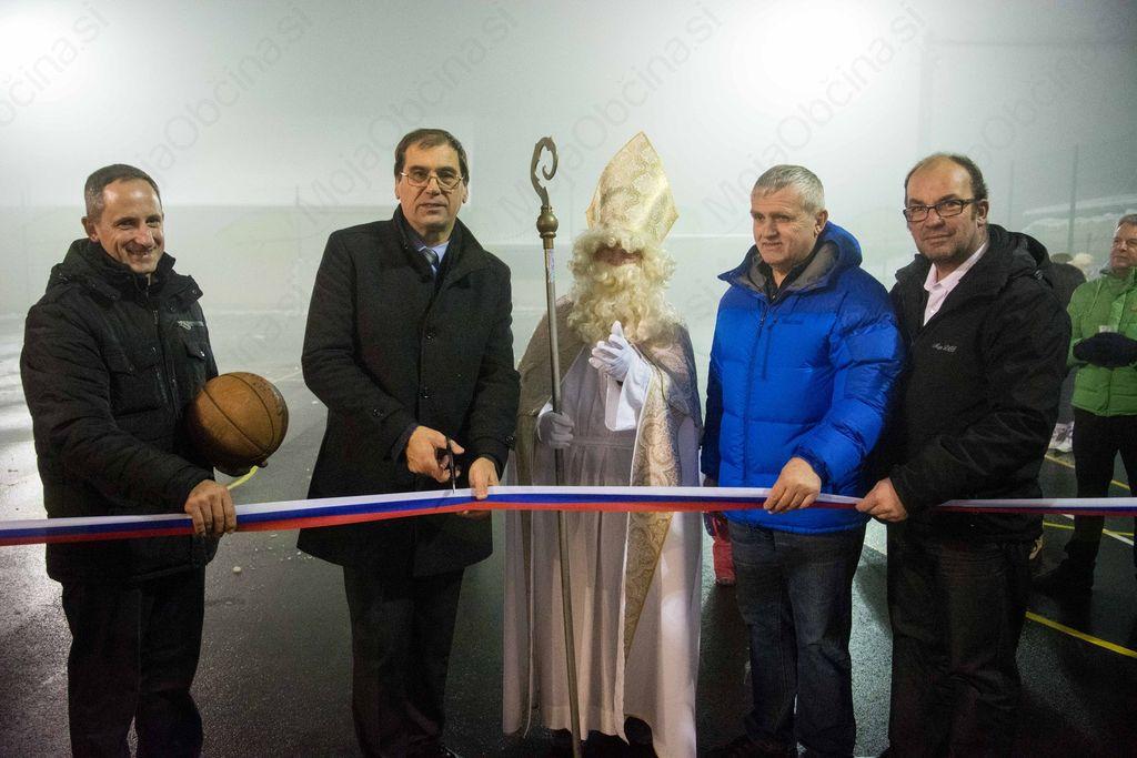 Slovesna otvoritev športnega igrišča v Dobu pri Šentvidu
