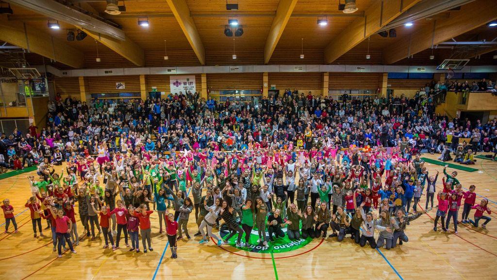 Plesna produkcija Plesne šole Guapa popeljala obiskovalce v Trolsvet