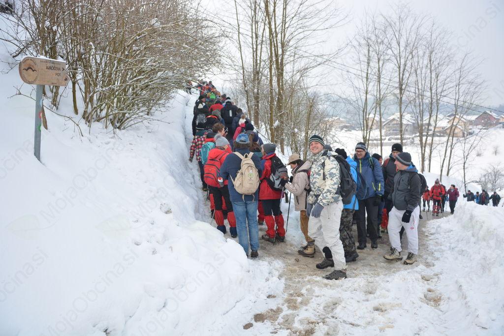 Jubilejnega Jurčičevega pohoda se je v mrazu in snegu udeležilo 3.000 pohodnikov