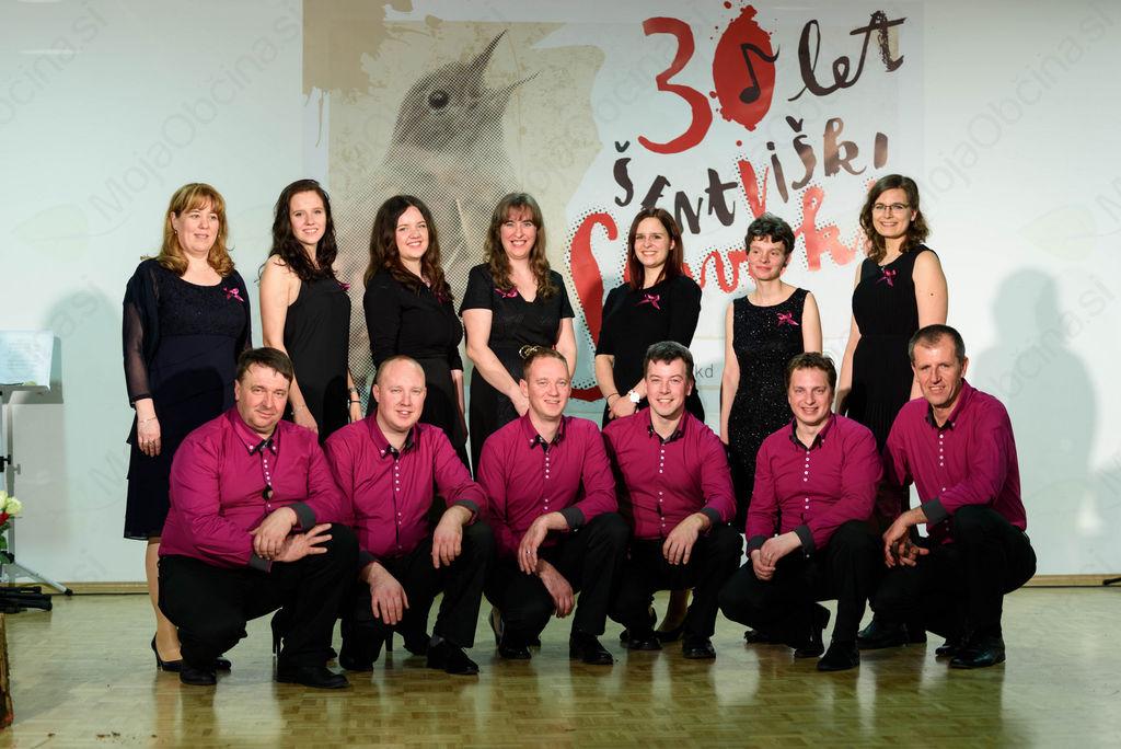 FOTO in VIDEO: 30 let Vokalne skupine Šentviški slavčki