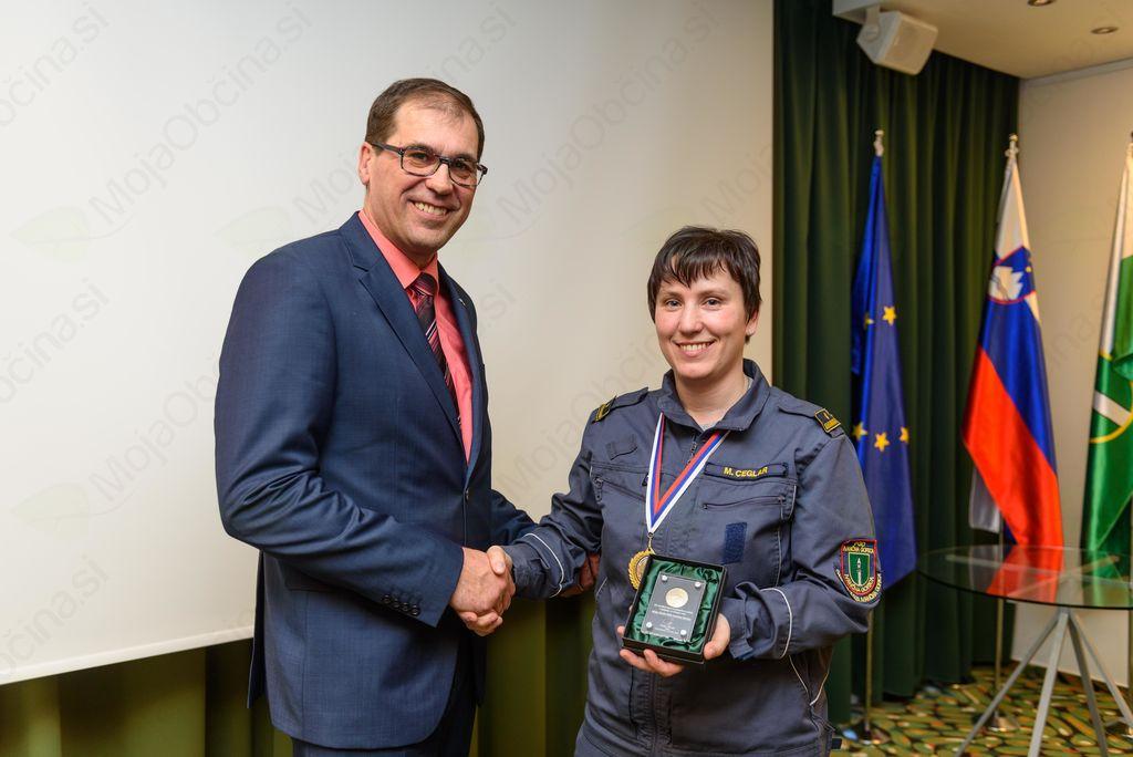 Župan sprejel državne pokalne prvakinje PGD Ivančna Gorica