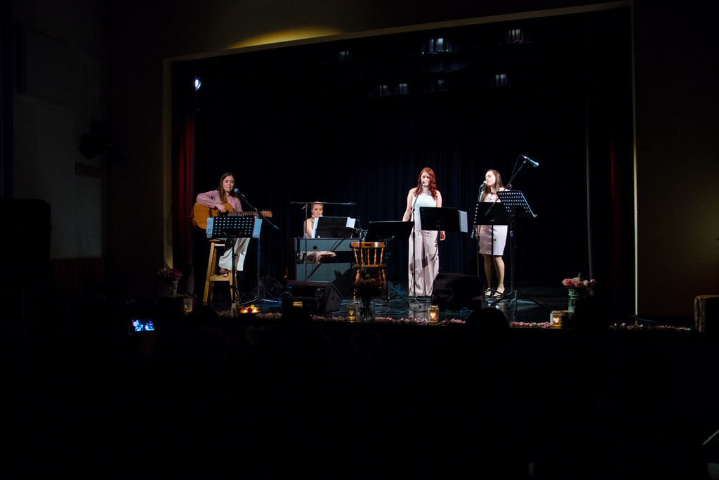 Glasbena skupina Amabile pripravila koncert, ki bo vedno znova budil spomine