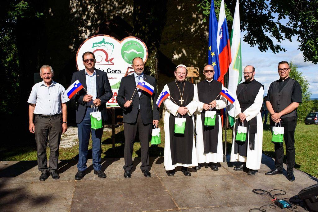 Na Polževem počastili dan državnosti