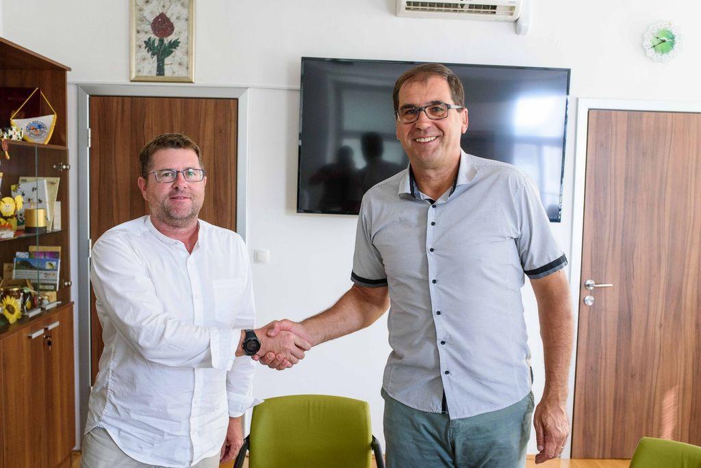 Podpis pogodbe za projektiranje Kulturno upravnega centra Ivančna Gorica