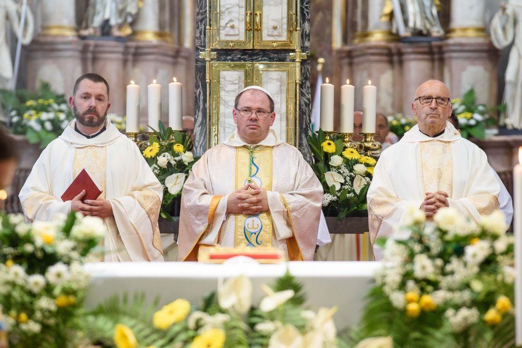 Slovesna umestitev novega stiškega opata p. Maksimilijana Fileja
