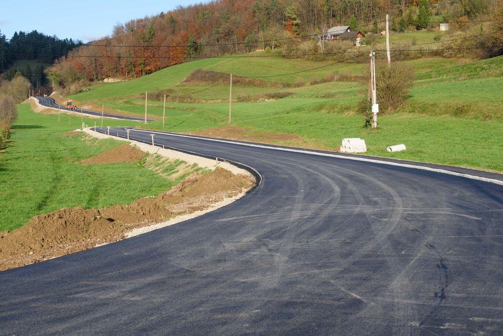Prenova ceste Sobrače – Ježce v sklepni fazi