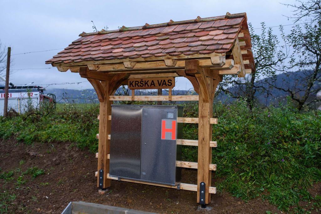 Krajani Krške vasi in Znojil pri Krki se veselijo novih pomembnih pridobitev
