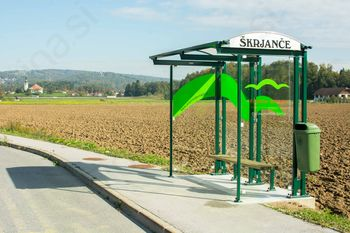 V občini postavljenih pet novih avtobusnih postajališč